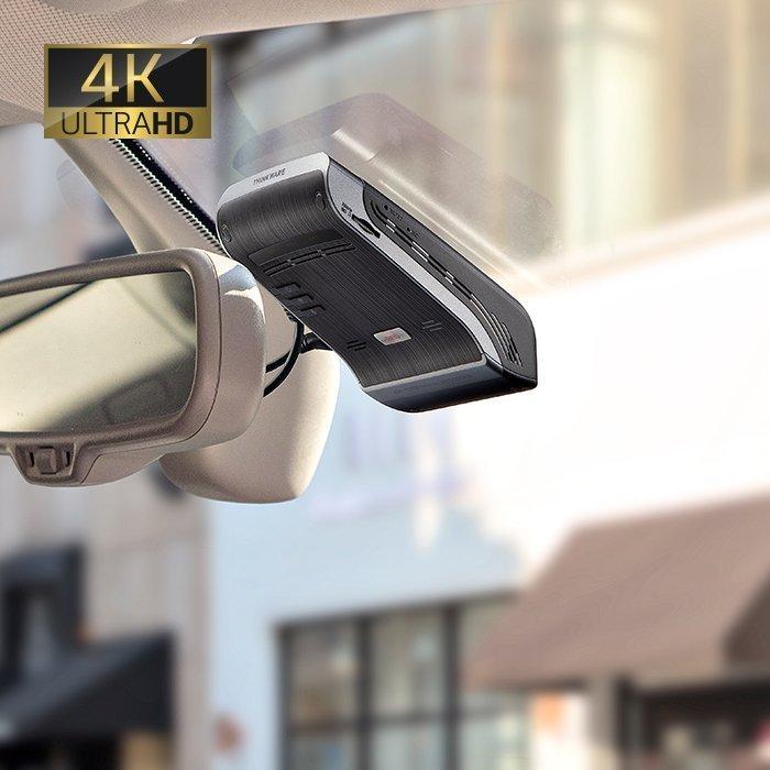 4k dash camera mounted on windshield